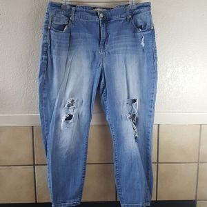 Torrid Distressed/Destroyed BF Jeans Size 20R